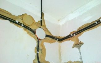 Как самому сменить проводку в доме?